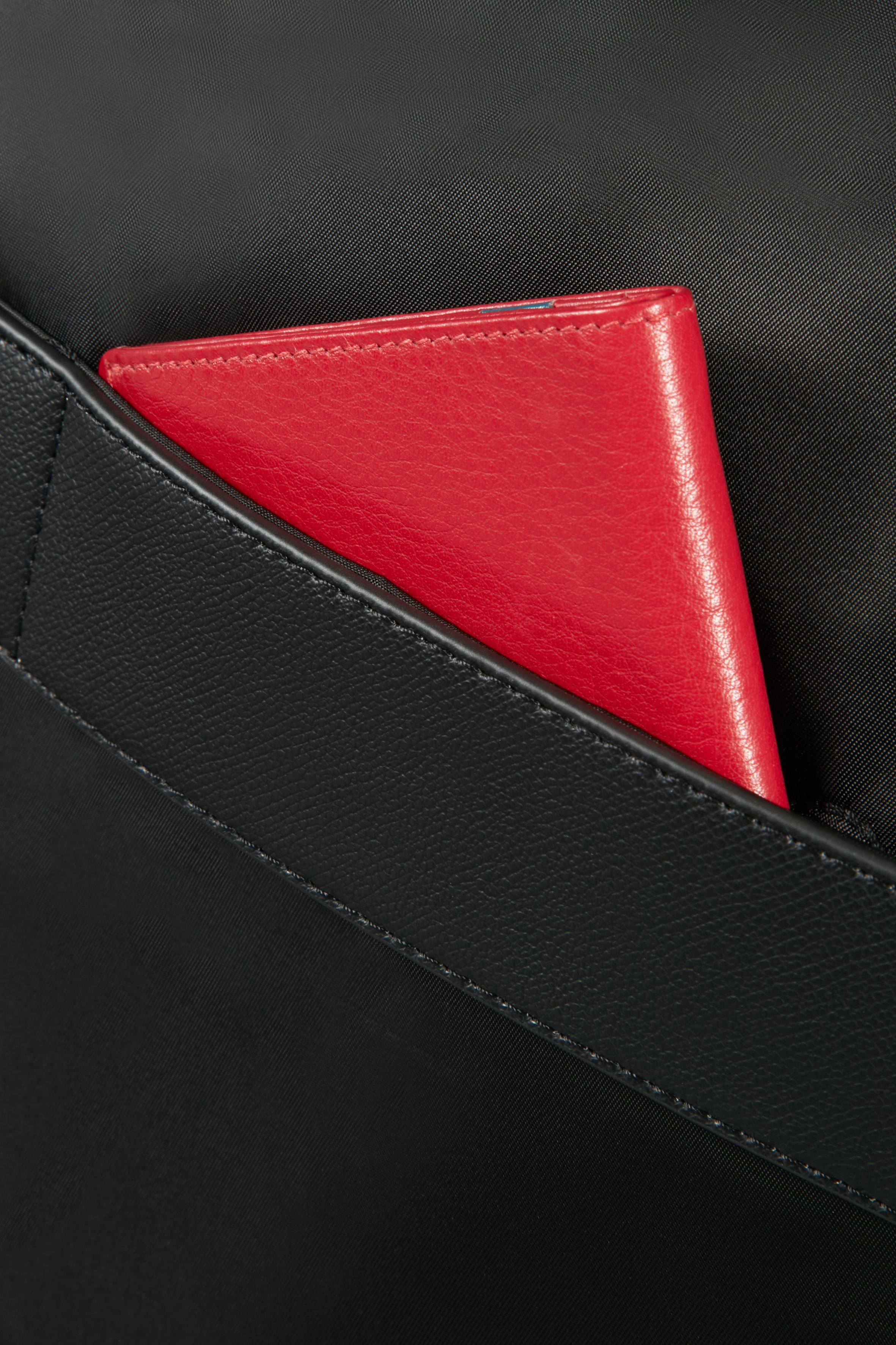 """KARISSA BIZ-Laptop Çantası 15.6"""" S60N-004-SF000*09"""